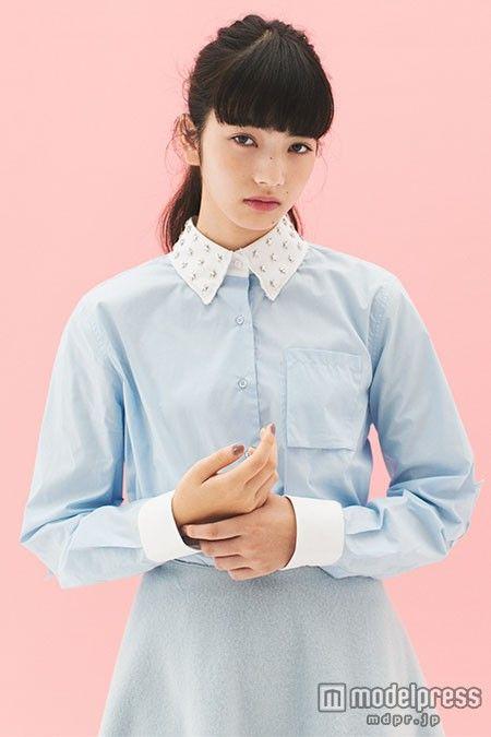 (画像5/10) 小松菜奈、アンニュイな表情で魅せる 旬の着こなしとは?
