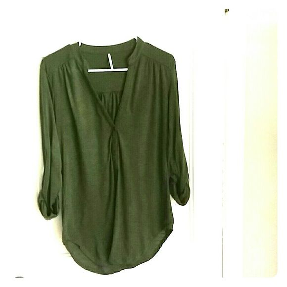 Women's Mandarin Collar Shirt Size Medium Army green mandarin collared shirt,  size medium. Longer length. Perfect for jeans or leggings. Dress up with a scarf or your favorite statement necklace.  Minimal wear. Tops Tees - Long Sleeve