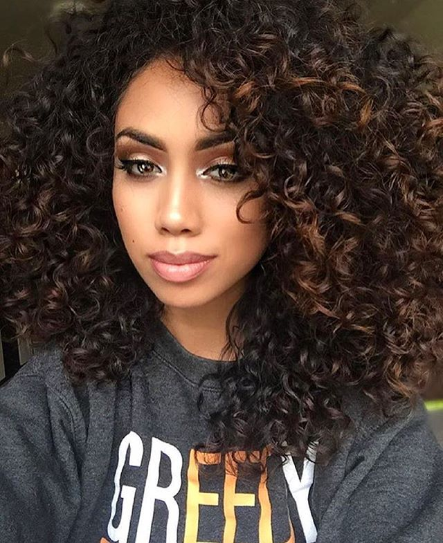 HAIRSPIRATION| Crushing on @ck_frias's #curls. Love the definition she achieved using @mydevacurl one condition super cream and a diffuser ❤️