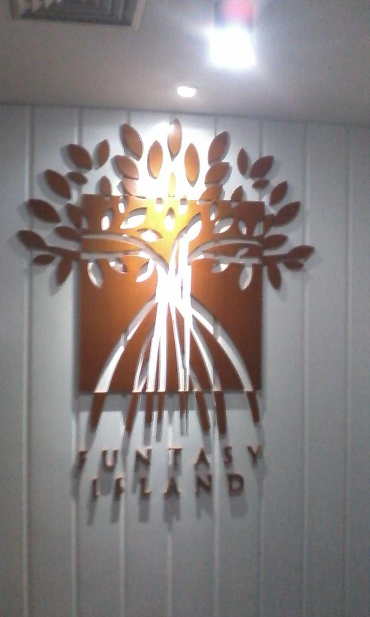 Proyek Perkantoran FX Sudirman.  Logo dengan Material MDF finishing duco