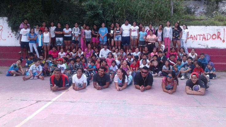Entregaron toallones a más de mil chicos de las colonias inclusivas de vacaciones: Fue para los integrantes de los natatorios municipales…