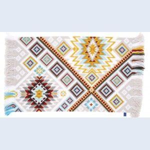 """""""Ethnical 3"""": kruissteektapijt, zelf te borduren op voorgeschilderd stramien"""