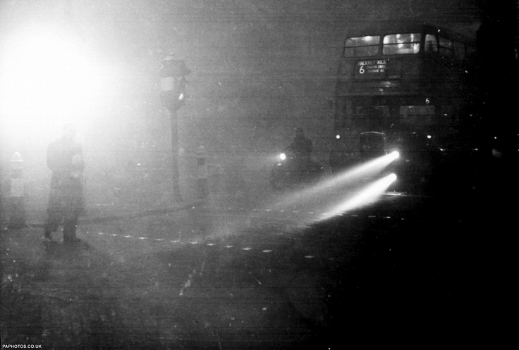 1952 London's Killer Smog! Over 4000 lost their lives and a further 8000 during the next few weeks. 1000,000 were made ill due to the smog!