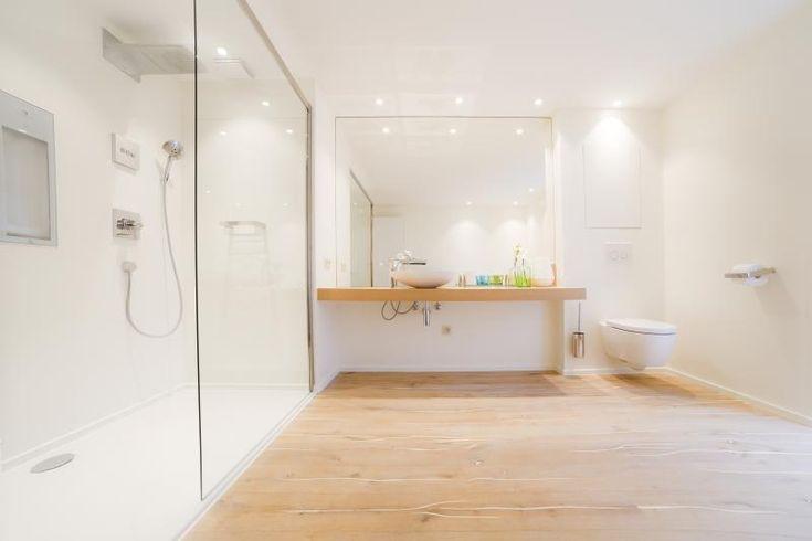 Wellness badkamer, Assebroek   Upgrade   Bathroom with real oak wooden floor http://ow.ly/QtZ03
