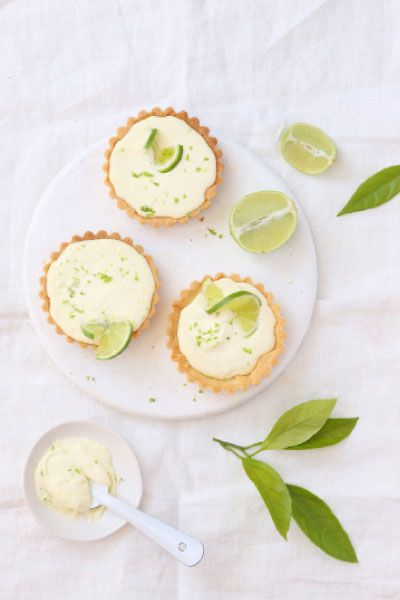 This Vanilla & Key Lime Tart recipe using NoMU's Vanilla Cookie Kit is super easy and makes a lovely dessert for a summer's day.