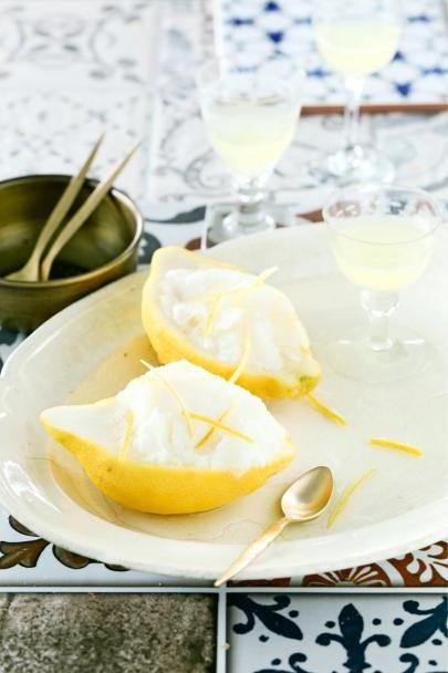 Sitruunaistakin sitruunaisempi Limoncello-sorbetti on raikas päätös aterialle tai ihanan virkistävä hellepäivän herkku!
