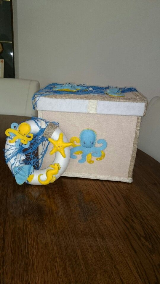 Felt box and wreath