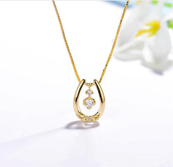 Lucky Diamond Horseshoe Pendant Necklace 18K Yellow Gold, 18k Horse Shoe Necklace, Wedding, Engagement, Anniversary, Valentine, Christmas by HXStudio on Etsy https://www.etsy.com/listing/487477148/lucky-diamond-horseshoe-pendant-necklace