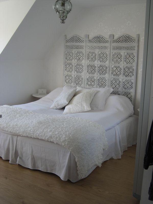 Style handira pour cette sublime chambre, simple et raffinée!