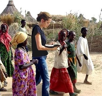 UNICEF ambassadorJolie Charity, Humanitarian Work, Angelina Jolie Unicef, Unicef Ambassador, Angelina Jolie Philanthropy, Amazing People, Angelinajolie, Angelina Jolie Humanitarian, Angelina Jolie Volunteers