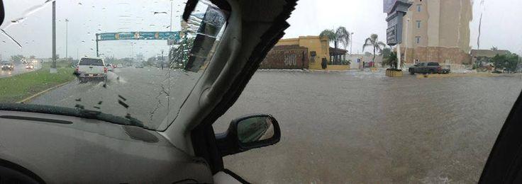 Fotos de la Inundación por el Huracán Ingrid.  #Huracan #HuracanIngrid #Inundacion #Tampico #Madero #Altamira    ========================   Rolando De La Garza Kohrs http://About.Me/Rogako ========================