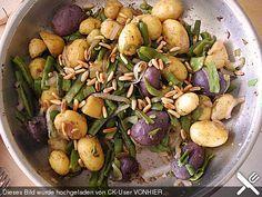Grüne Bohnen mit Kartoffeln und Pinienkernen (Rezept mit Bild) | Chefkoch.de