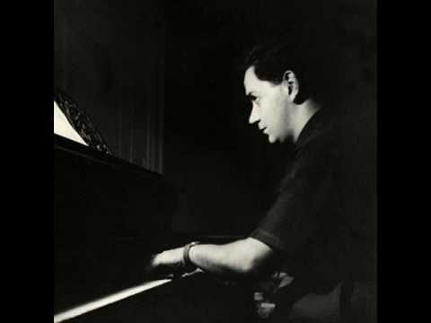 "Manos Hatzidakis conductor of ""Bolivar"", the poem written by N. Eggonopoulos"