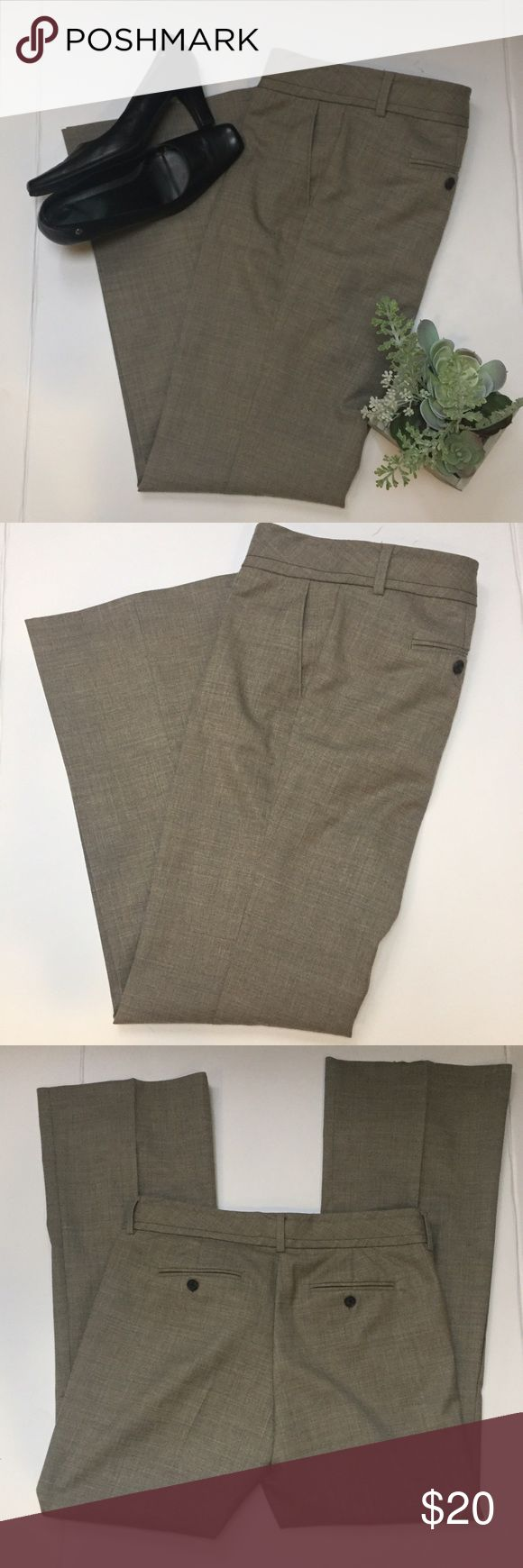 """Banana Republic Women's Size 10 R Pants Martin Fit Banana Republic Women's Size 10 R Pants Martin Fit Beige  68% polyester 30% wool 2% spandex  RN54023 CA17897 8 1/2 rise, 32"""" inseam, 41"""" total length, 18"""" flat waist double latches at waist and button closure with zipper.  2 side pockets & 2 rear pocket Pants are in good preowned condition they do have some pre-pilling in the crotch but nothing noticeable very nice pair of career pants. Banana Republic Pants Trousers"""