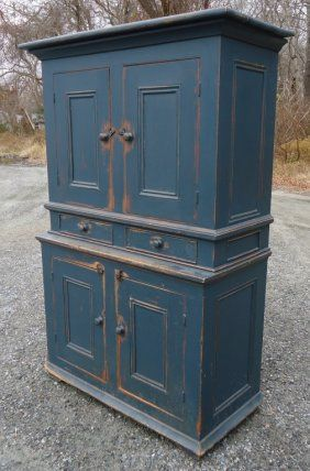 LARGE COUNTRY PINE STEPBACK CUPBOARD : Lot 54