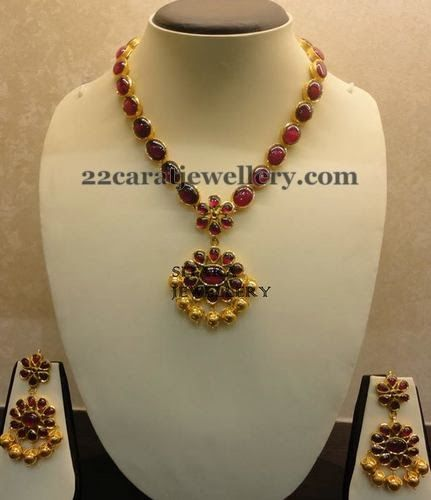 Jewellery Designs: Blood Pota Rubies Temple Necklace