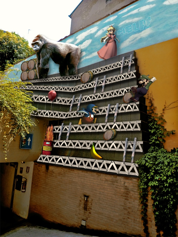 Donkey Kong is the least problem.  Via Irnerio, Bologna (Italy)