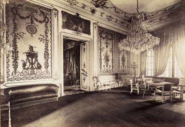 A Karátcsonyi-palota gobelin szalonja Budapest - Hungary