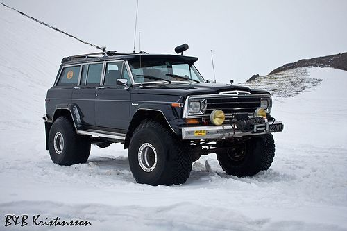 Jeep Wagoneer - Ready for snow!