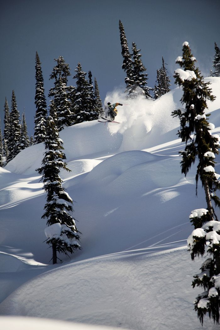 Launching off pillows - Candide Thovex