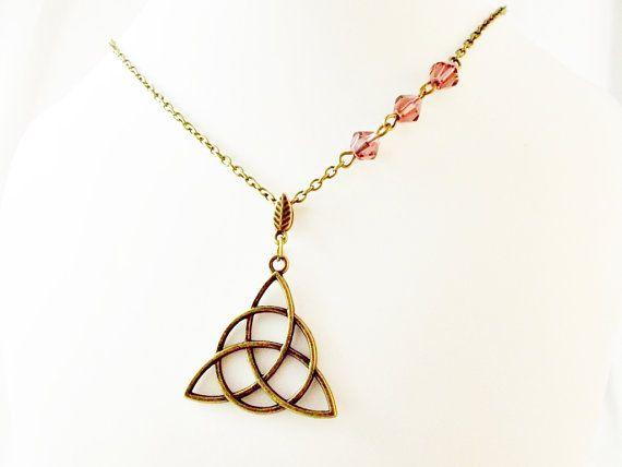 Celtic knot necklace purple crystal dainty by 10dollarjewellery #celticknot #purple #lila #crystal #style