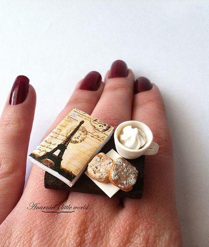 Vintage paris morning ring