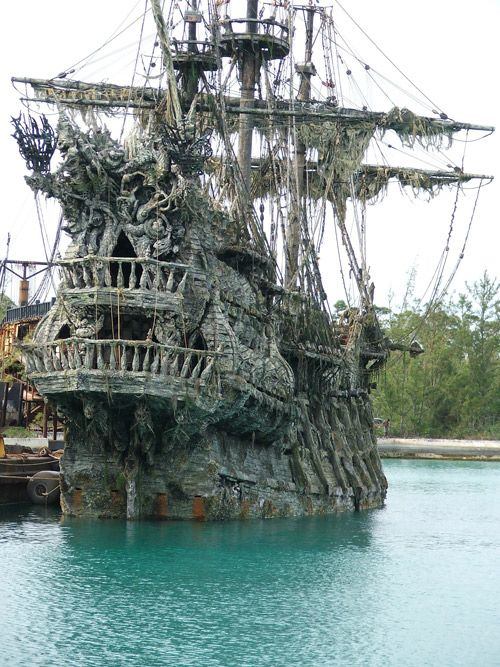 """The ship from the movie """"Pirates of the Caribbean: Dead ..."""