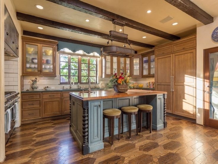 681 best spanish colonial kitchen style remodeling ideas for Zillow kitchens