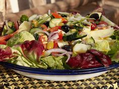 Que tal variar o cardápio e experimentar essa salada de batata marroquina? Chef: Jenny Morris