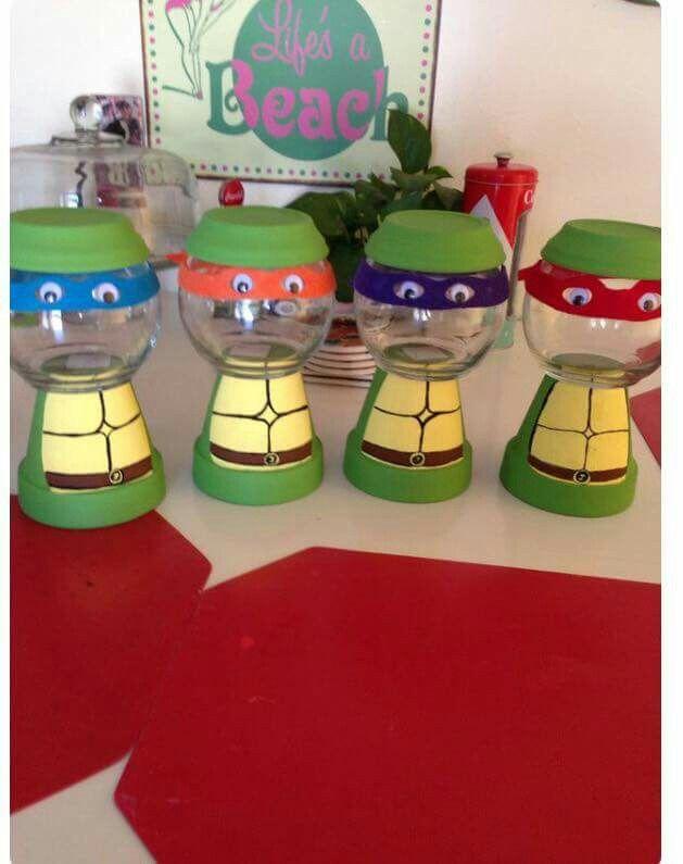 Turtle gumball machine