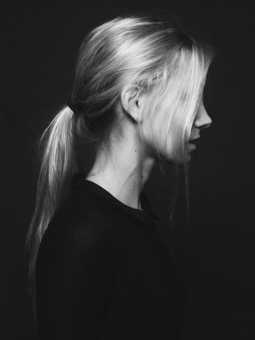 there are too many blonde pics on this site... but i wish my hair looked like this in a low pony