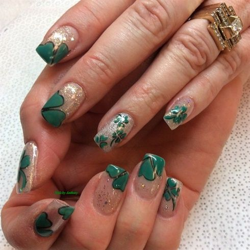 164 best St. Patrick\'s Day Nail Art images on Pinterest
