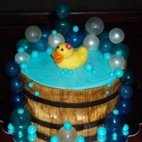 Tutorial on how to make gelatin bubbles.  This cake is so cute!