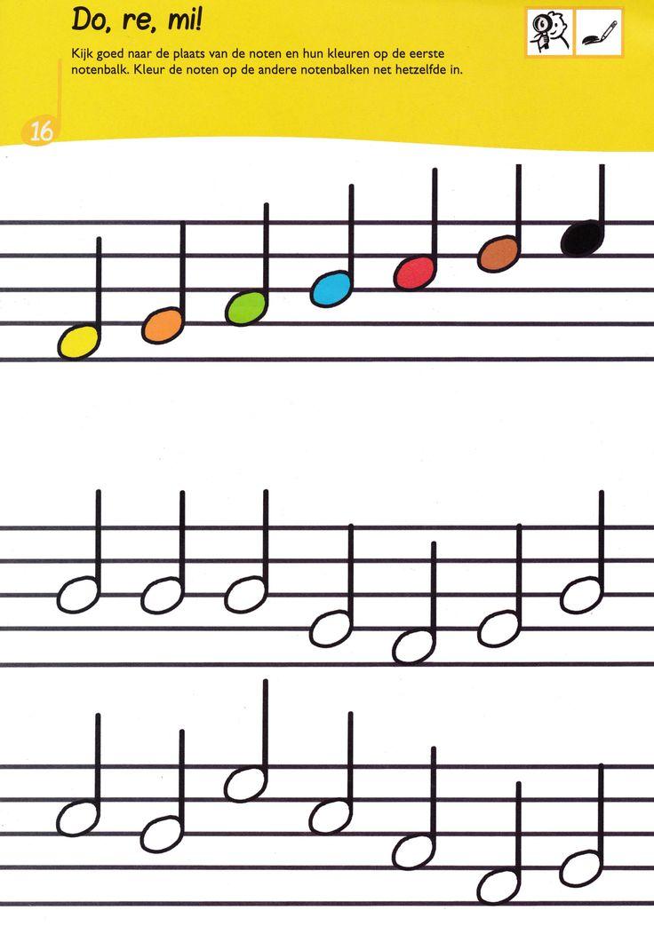 Gebruik de kleurencode van de bovenste notenbalk om de onderste noten de juiste kleur te geven
