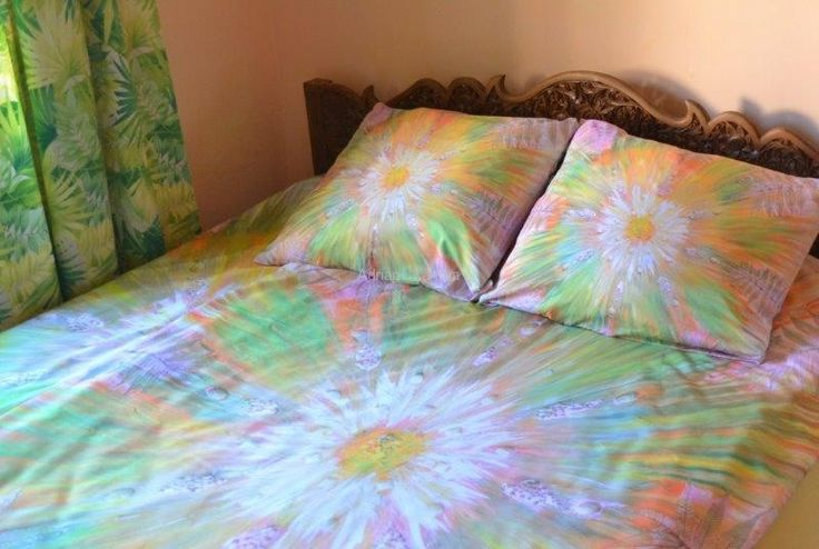 Energetic sheets with Adriana Karima's paintings – HARMONY Swathed in colors, you are bound to wake up with new energy. The colors and designs on the sheets call on Nature and its harmonious effect. The colors are light, warm, peaceful. Fabric, Microfiber 80gr/qm2, very nice to touch and comfortable in use. Breathable, non-staining. Ideal for allergic people. Available in two sizes: 140 x 200 with 1 pillow cover 50 x 60 – 169 zł 160 x 200 with 2 covers, 60 x 70 – 189 zł