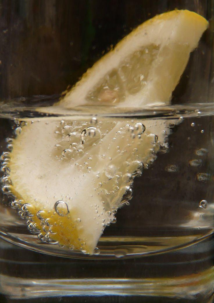 woda z cytryną na czczo
