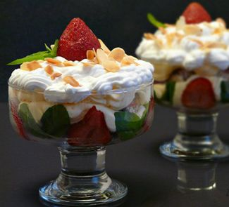 Клубничный Трайфл (Strawberry Trifle)
