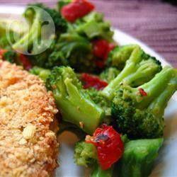 Broccoli & roasted capsicum salad