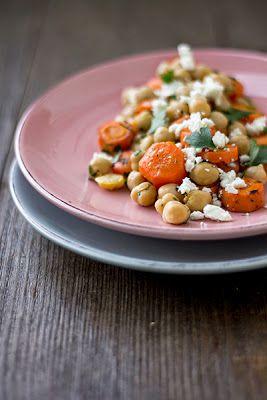 Möhren-Kichererbsen-Salat mit Petersilie und Feta + Gewinner von {TREE OF TEA} - Feines Gemüse