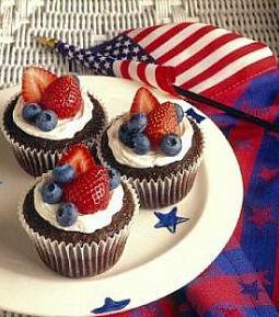Cupcakes: Fourth Of July, Cupcake Recipe, Red White Blue, July Cupcake, 4Th Of July, July 4Th, Memories Day, Chocolates Cupcake, Patriots Cupcake
