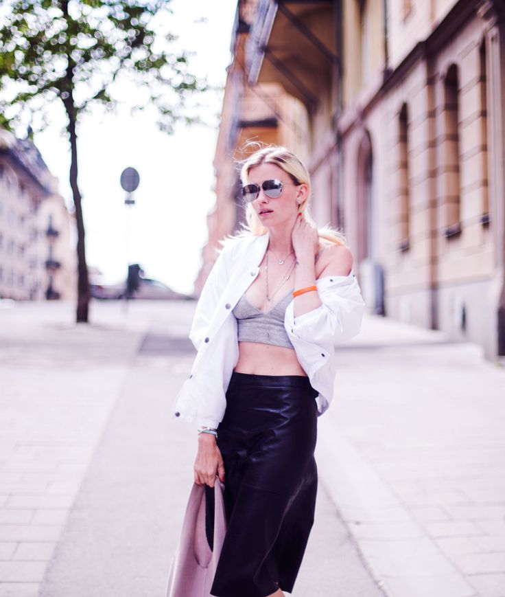 Elsa Ekman in Ease jacket by JUNKYARD XX-XY. Photo by Gina Elena. #junkyardxxxy #white #bomber