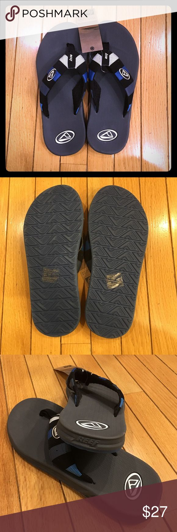 MWT Mens reef flip flops sz 9 Awesome and comfy! Dark gray almost black with blue, black, gray, and white. Reef Shoes Sandals