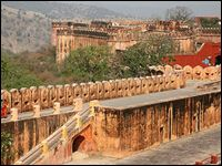 Jaigarh Fort or Fort of Victory is located 15 Km away from Jaipur in the Indian state of Rajasthan and is the most well fortified structures in India. The magnificent fort was constructed by Sawai Singh of Jaipur in 1726 on the top of the hill in order to tighten the security of Amber and Jaipur. The main highlights of the fort are massive Cannon, fortification, museum, palaces, temples and the magnificent water tanks.