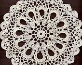 Ganchillo tapete, carpetas de encaje, decoración de la mesa, ganchillo doilie, pieza central, hechos, tapetito de invierno, servilleta, blanco, boda a mano