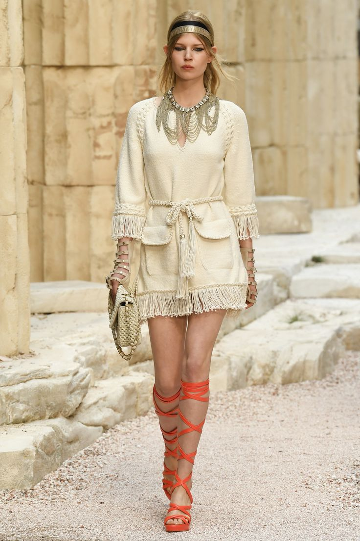 Chanel Resort 2018 Fashion Show – Alexa Rae