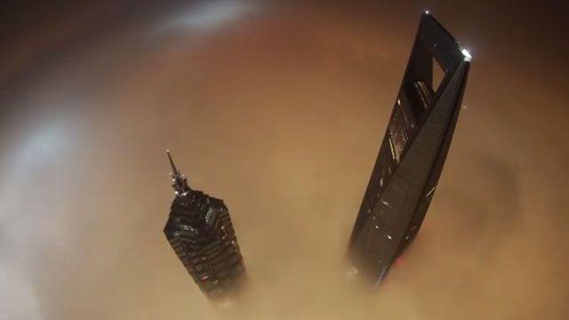 Russian Daredevils Climb Shanghai Tower