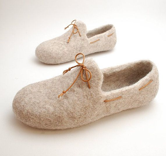 Felt slipper loafers beige with brown laces by WoolenClogs