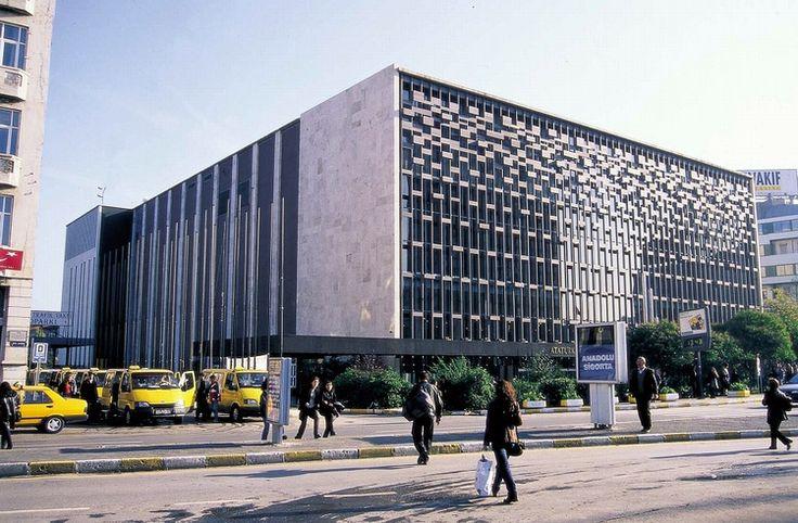 Atatürk Kültür Merkezi  1956- 1969- 1977  Taksim- İstanbul  Mimari tasarım: Hayati Tabanlıoğlu