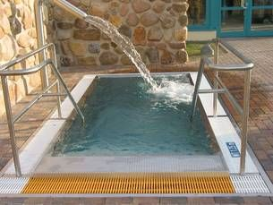 die besten 17 ideen zu tauchbecken auf pinterest kleine pools mini pool und schwimmbecken. Black Bedroom Furniture Sets. Home Design Ideas