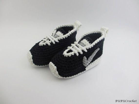 Вязание крючком Найк вдохновил теннисные туфли , ручная работа, вязание крючком Детские пинетки, вязание крючком ребенка сапоги, крючком детская обувь черный